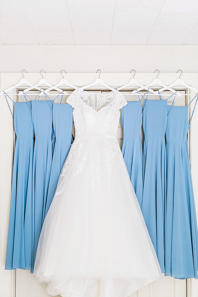 We're in LOVE with these blue Bridesmaid's dresses - so dreamy!