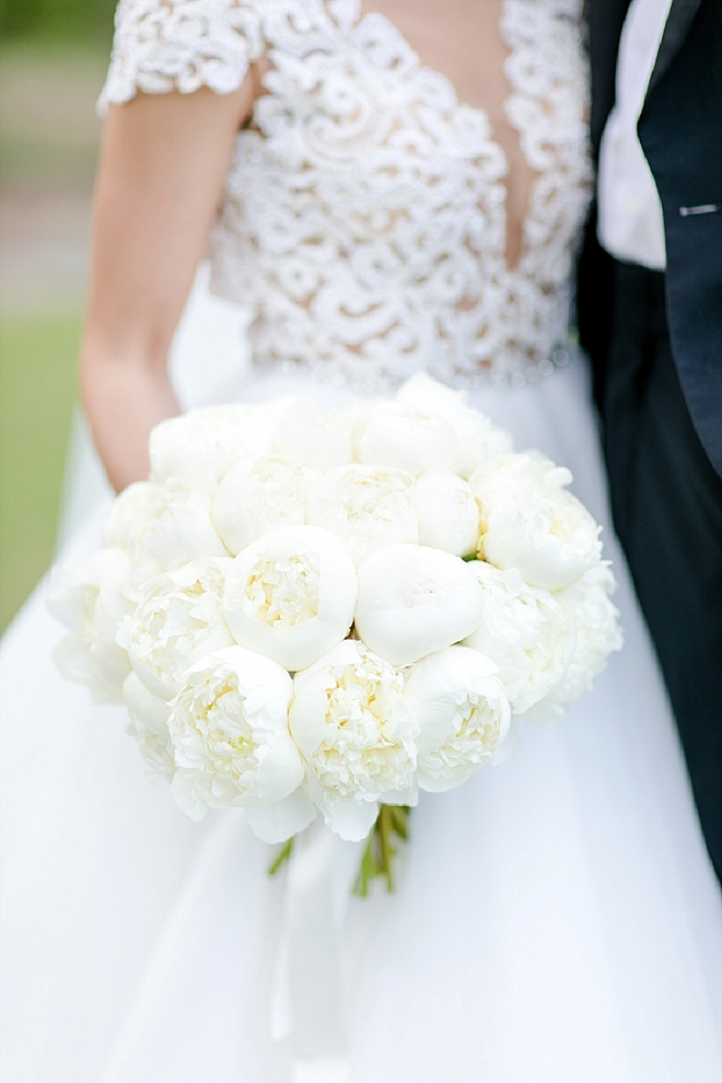 We are loving this all white classic bouquet!