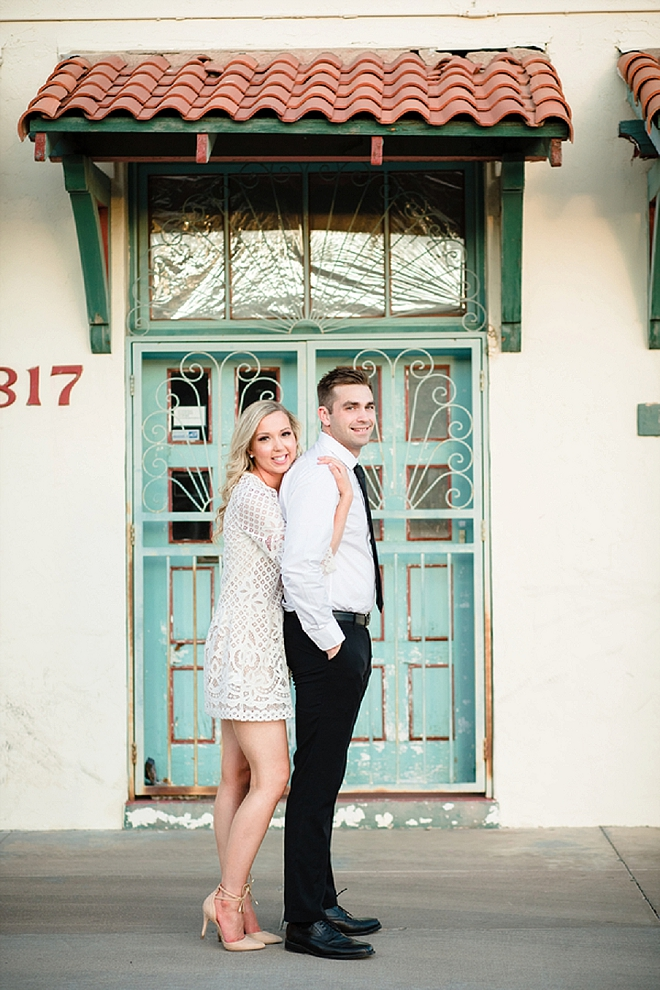 Crushing on this super darling couple and their gorgeous urban engagement!