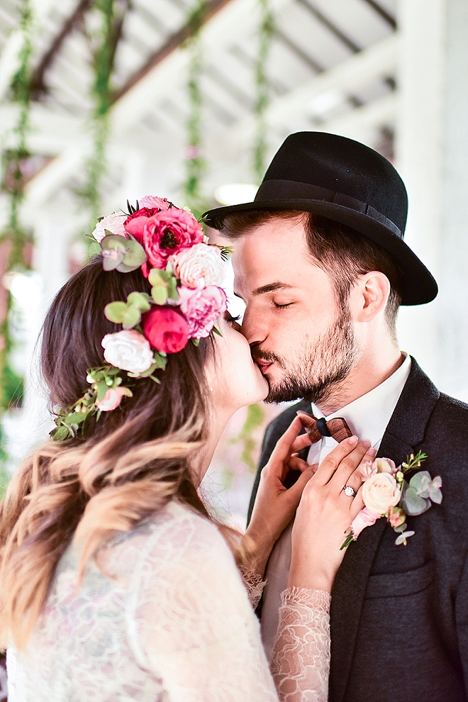 We're in LOVE with this super bright + crafty styled wedding!