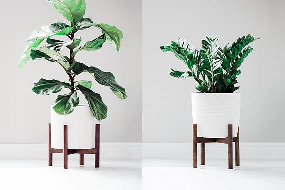 Everyone will love this gorgeous mid century modern plant holder!