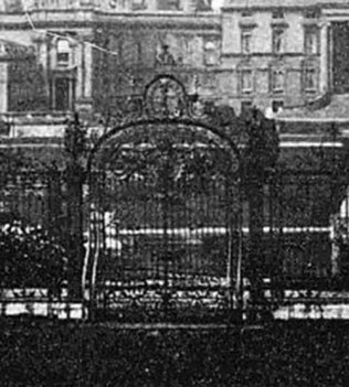 Witley_Courty_Gates_1897