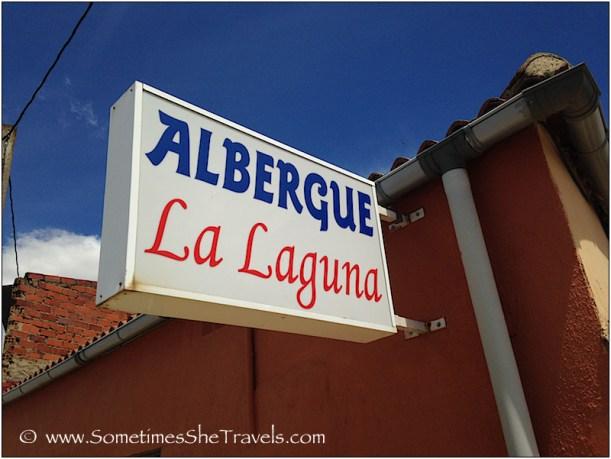Sign: Albergue La Laguna