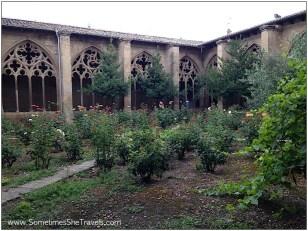 The garden of the Church of Santa Maria in Los Arcos