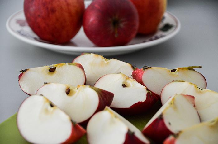 appels uit eigen tuin snijden
