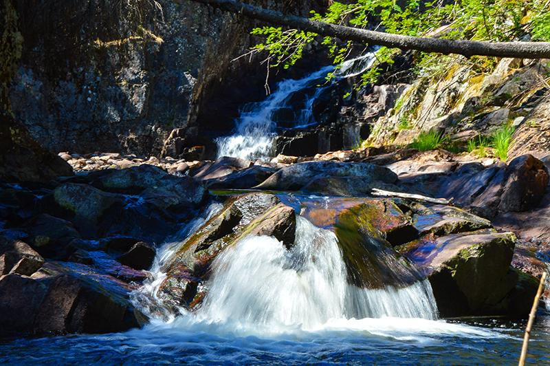 Trollfoss waterval rivier