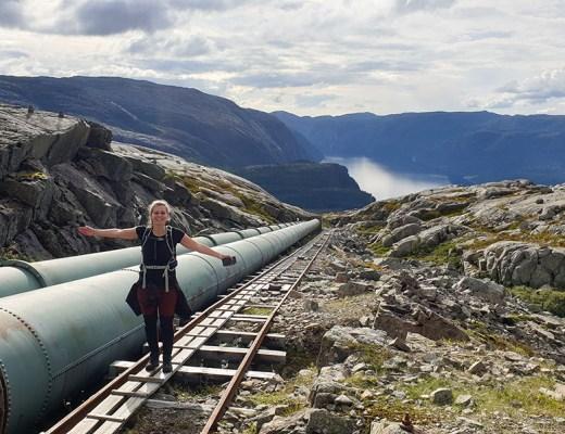 Beklim de trappen van Flørli 4444 in West-Noorwegen- hiken met een twist