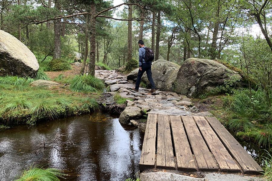 De wandeling naar Preikestolen - sommarmorgon.com