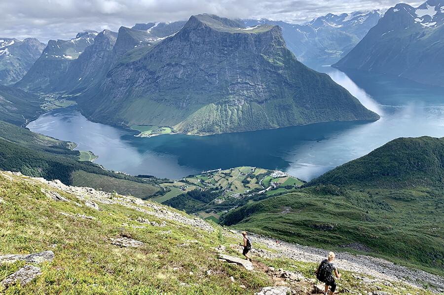 Afdaling berg Saksa - sommarmorgon.com