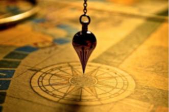 pendules divinatoires