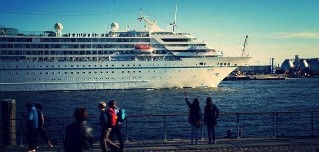 Cruise Liner in Hamburg