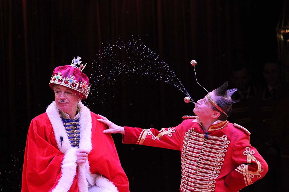 Circus Krone mit den Clowns Fumagallo und Daris in der Manage