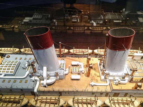 Schiffsmodell im Hamburg-Museum