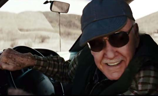 Stan Lee in Thor_Trying to pull Mjolnir