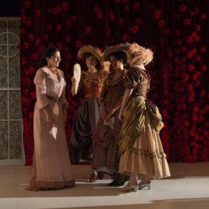 Doña Rosita la soltera o el lenguaje de las flores - Teatre Nacional de Catalunya - (c) May/Zircus-TNC.