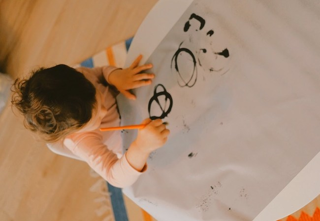 Toddler Activity: No Mess Painting with Magic Water Painting Paper