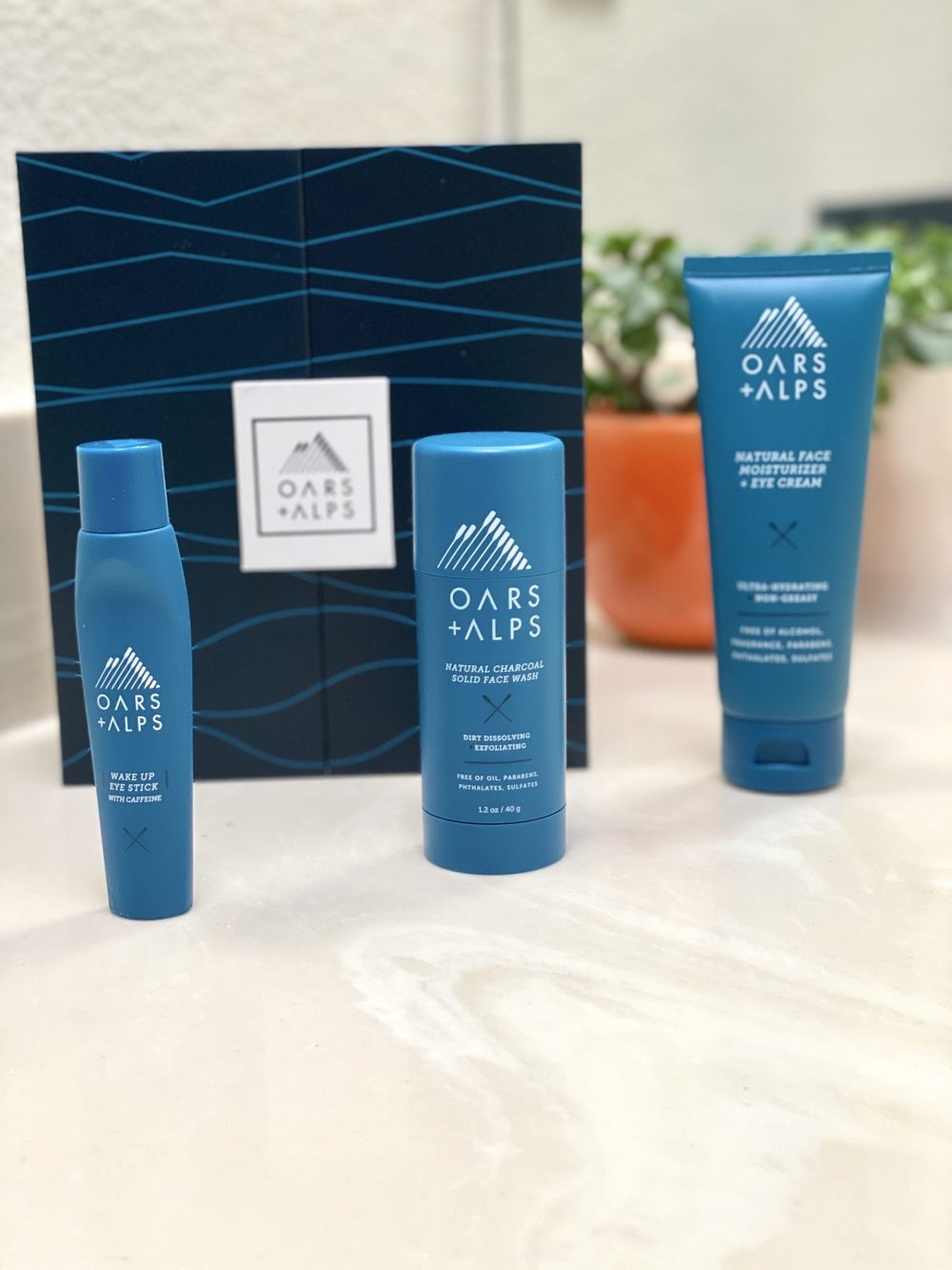 oars + alps clean skincare for men