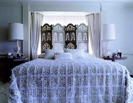 Actress Kate Hudson's bedroom, designed by Roman & Williams. Photo via: Desire To Inspire