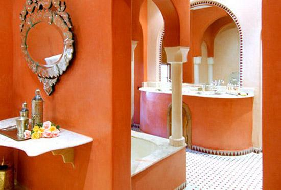 moroccan red bathroom photo via decor4allcom - Moroccan Red Paint
