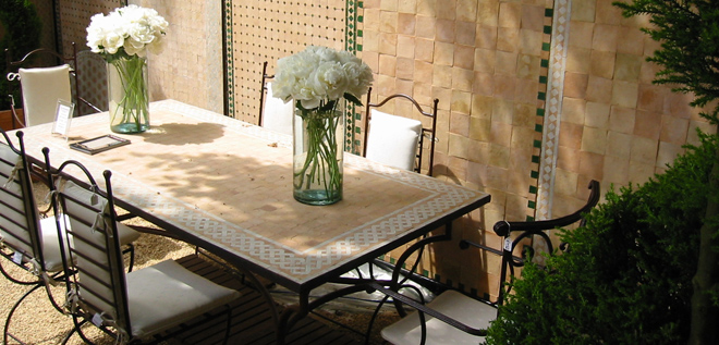 Moroccan Outdoor Decor with Mosaic Tile Dinning Table, Image via Safarimp
