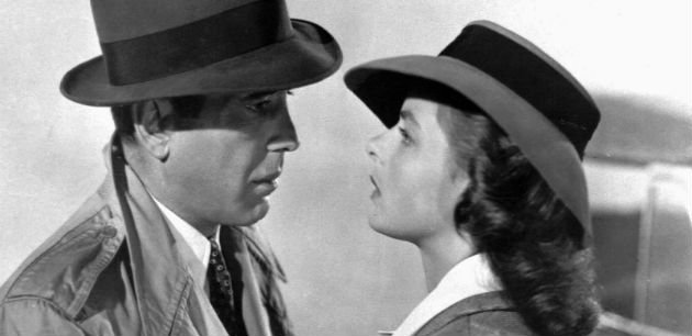 What kind of clothes do people wear for a Casablanca theme party?