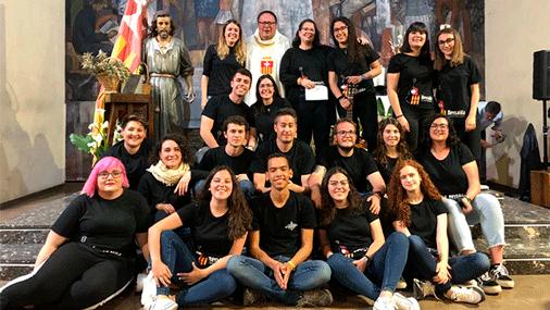 Foto grupal del Coro Betsaida, de la parroquia mercedaria de Castellón, San José Obrero.