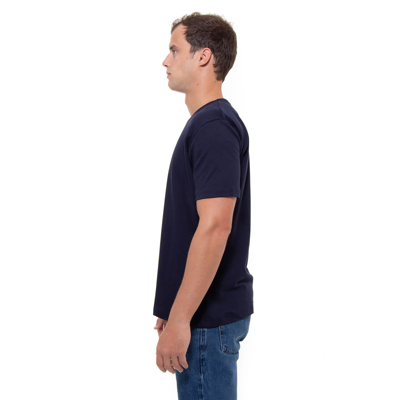 Franela azul oscura esencial para hombre cuello en V Veticales lado