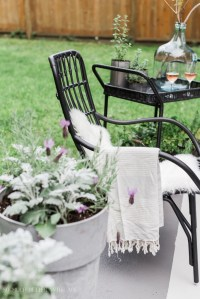 How to Create Two Outdoor Seating Areas in a Small Space ...