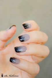 cloudy ombre nails - 28 days of