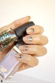 nude nails with glitter tom ford