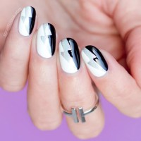 Graphic Black and White Nail Art - Tutorial