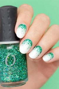 7 Stunning Emerald Green Polishes That Are Christmas in a ...