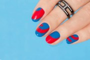 blue and red nails hottest