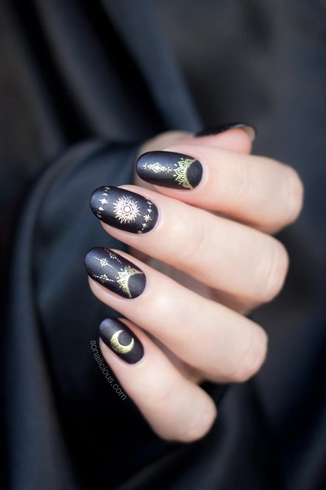 Magic Nails for Halloween and Beyond
