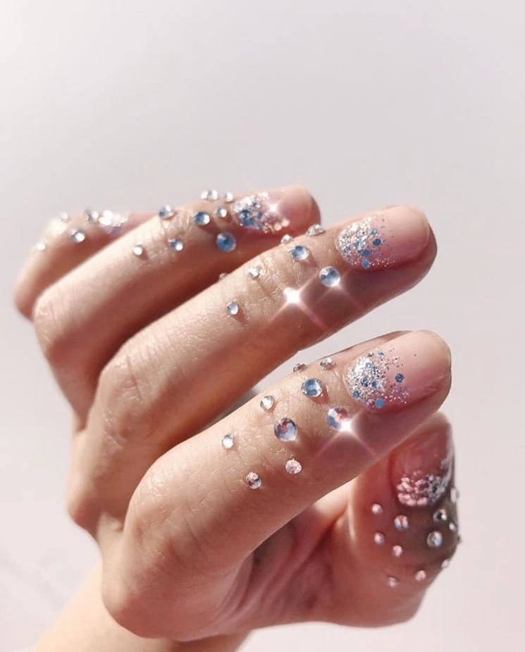 15 Chic New Years Nail Designs for Every Taste