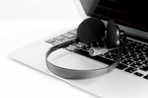 headset-computer-laptop-call-center-support (1)