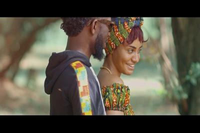 VIDEO: Bisa Kdei - Asew Ft. Mic Flammez