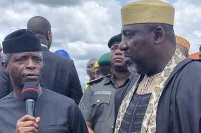 Senator Okorocha Meets With Osinbajo Over Feud With Uzodima