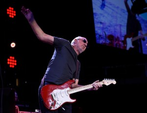 """PeteTownshend of The Who performs March 29, 2016 at Pepsi Center """"The Who Turns 50 Tour"""" - Song Director Music Database Software for cataloging and organizing your digital audio files"""