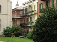 Nouvelle Orléans - 2008 - L'immeuble à coté du jaune abrite la chambre d'Acheron
