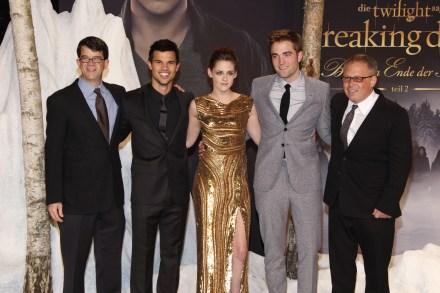 Photos De L'avant-Première de Breaking Dawn Part 2 à Berlin - Robert Pattinson & Kristen Stewart Très Proches