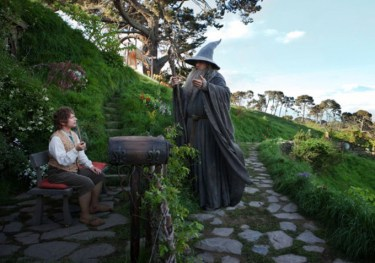 Ian-McKellen-and-Martin-Freeman-in-The-Hobbit-Part-1-An-Unexpected-Journey-2012-Movie-Image