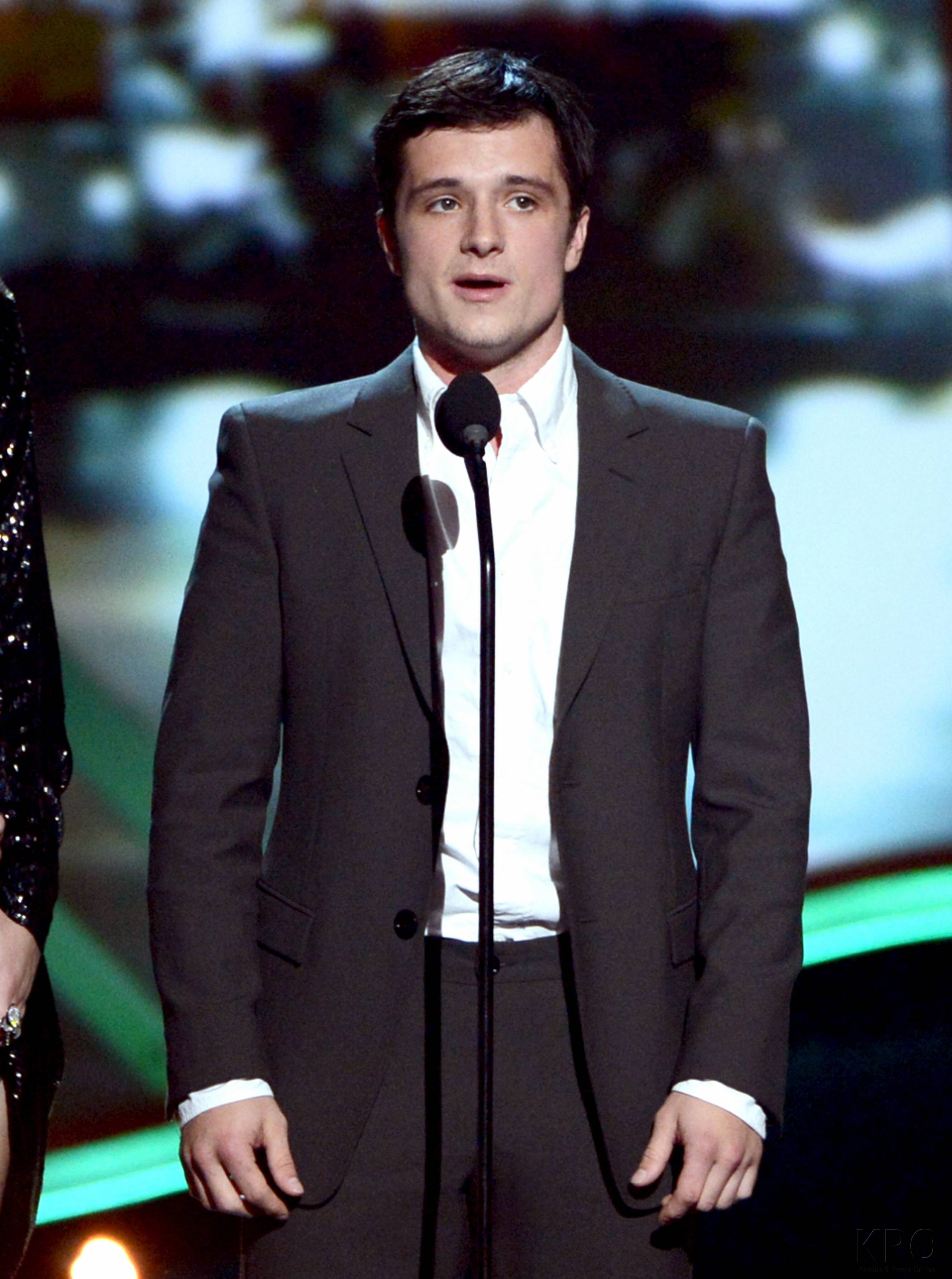 Hunger Games Cast - PCA -2013 -Nominations- 001