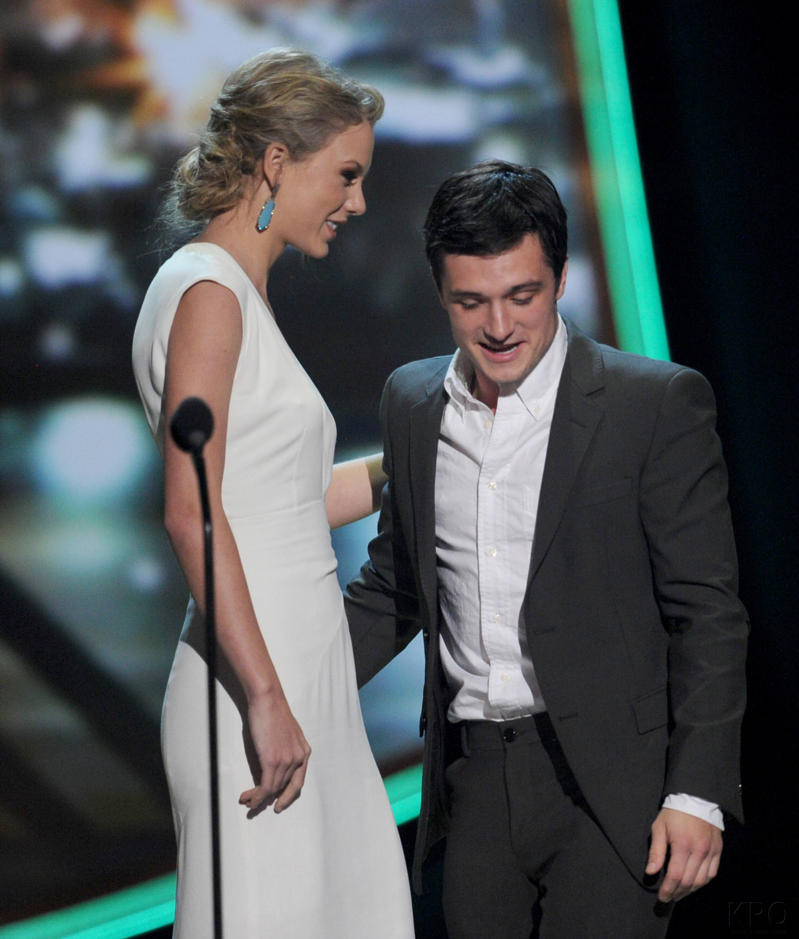 Hunger Games Cast - PCA -2013 -Nominations- 002