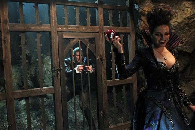 Once Upon A Time – Saison 1 Episode 21 - La pomme empoisonnée 006