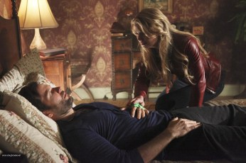 Once Upon A Time Saison 1 Episode 22 - Le véritable amour 015