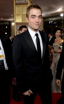 Robert Pattinson Aux Golden Globe 2013 - Red Carpet- 0011