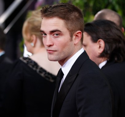 Robert Pattinson Aux Golden Globe 2013 - Red Carpet- 0027