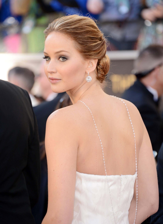 Jennifer Lawrence - Le Red Carpet de la 85eme Cérémonie des Oscars 006