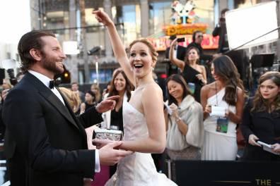 Jennifer Lawrence - Le Red Carpet de la 85eme Cérémonie des Oscars 026